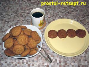 торт из печенья: макаем печенье в кофе