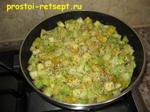 Как готовить жареные кабачки: посыпаем кунжутом и приправой