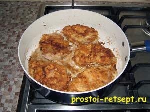 Свиные котлеты в кляре на сковороде
