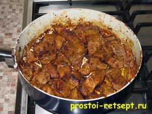 Как готовить гуляш из говядины: мясо обжарилось