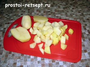 суп с шампиньонами: нарезать картошку кубиками
