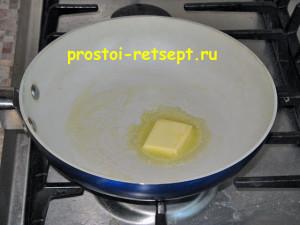 как готовить омлет: растопить масло на сковороде