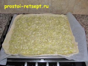 пирог с капустой и яйцом: выкладываем начинку