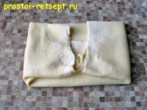 тесто для пирогов бездрожжевое: сложите тесто к середине