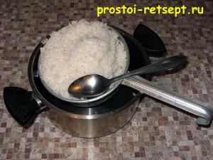 салат с копченой рыбой: сначала сварите рис