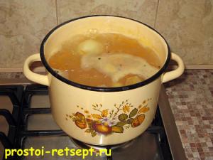 суп из консервированной сайры: варим 30 минут