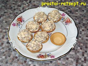 мясной салат в тарталетках: разложить салат в тарталетки