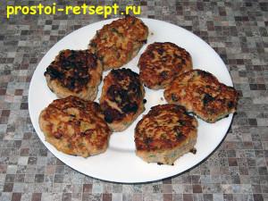Рецепт куриных котлет: снять со сковороды и подать на стол