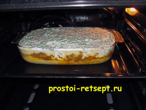 Запеканка из картофеля с фаршем: ставим форму в духовку