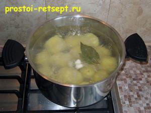 Запеканка из картофеля с фаршем: сварить картофель
