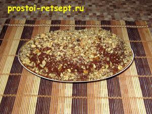 творожный десерт: украсить толчеными грецкими орехами