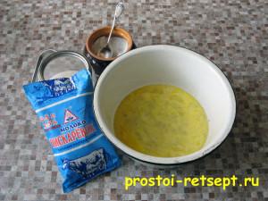 Тонкие блины на молоке: добавить молоко, соль, сахар