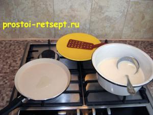 Тонкие блины на молоке: на сковороду капнуть масла и налить тесто