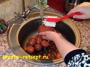 картофель в духовке: картофель вымыть щеткой