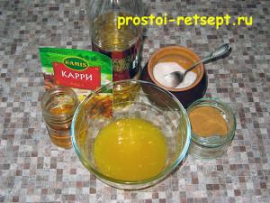 Курица с апельсинами: добавить соль, перец, мед, масло
