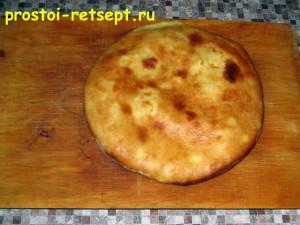 Хачапури с сыром готово и смазано маслом
