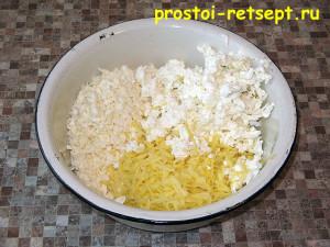 Хачапури с сыром: сыр натереть на крупной терке