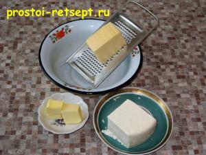 Котлеты из индейки: сыр натереть и смешать с маслом