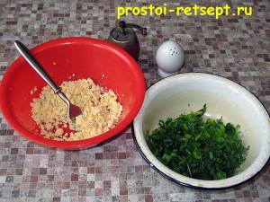 Фаршированные яйца: желтки измельчить и смешать с зеленью