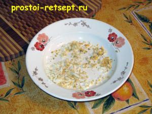 Как готовить окрошку на квасе: яйцо мелко покрошить