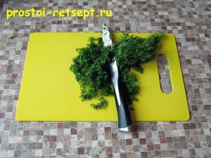 Салат с красной фасолью: укроп мелко нарезать