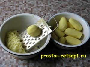 рецепт картофельных драников: картофель натереть на крупной терке