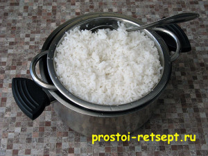 рецепт тефтелей: рис сварить до готовности