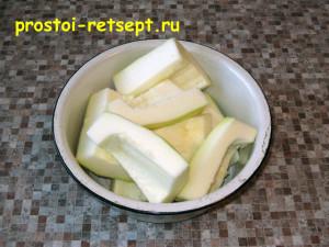 кабачковый торт: кабачок очистить от кожуры и семян