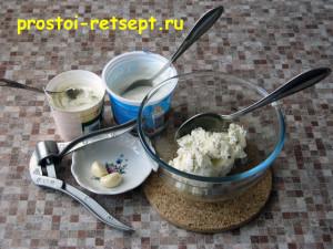 кабачковый торт: приготовить крем из сыра и сметаны