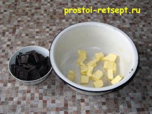 торт с вишней: растопите масло и шоколад