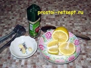 кольца кальмара в кляре: подготовить маринад с лимонным соком