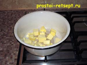 сладкая колбаса: масло слегка разогреть
