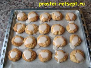 рождественское печенье: полить печенье глазурью