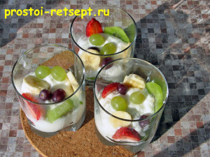 Десерт из творога: выложить в формы слоями