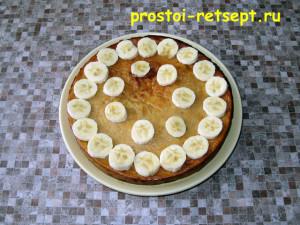 Как приготовить чизкейк: украсить чизкейк свежим бананом