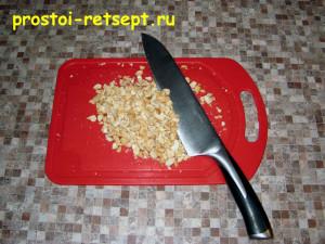 Морковная халва: орехи порубить на кусочки