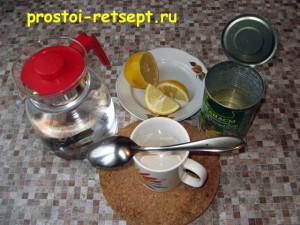 Филе индейки в духовке: смешать сироп с водой и лимонным соком