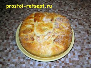 Рыбный пирог из консервов: извлечь из формы и подать на стол