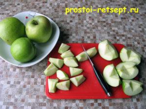 Индейка в духовке: нарезать яблоки