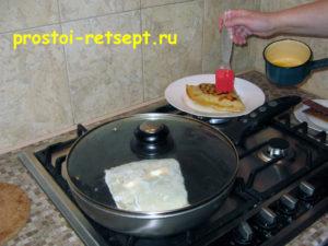 Лепешки на сковороде: смазать маслом и готово